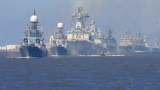 Parade in St. Petersburg - Hier zeigt Russland die Macht seiner Marine