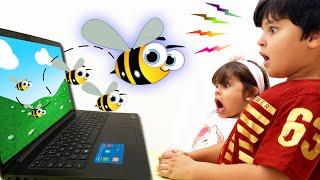 Kai e Clara Brincam com Objetos que Atravessam Tela do Computador