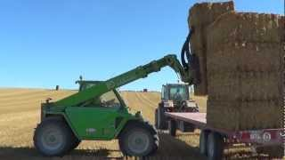 Repeat youtube video Pressage paille groupeur quadropac mfl, Mercedes MBtrac 1500s, Krone 1270EX ramassage
