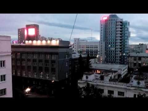 """Челябинск, Кировка 16 июня 2019 года 22:05 - играет музыка """"Стритрадио"""""""