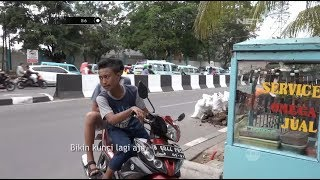 Download Video Ngambek Kunci Motornya Diambil Petugas, Anak Ini Malah Mau Bikin Kunci Baru - 86 MP3 3GP MP4