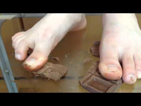 素足ビデオ フードクラッシュ-板チョコ
