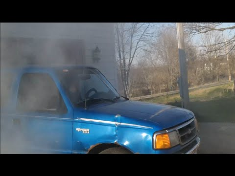 Massive burnout ford ranger.