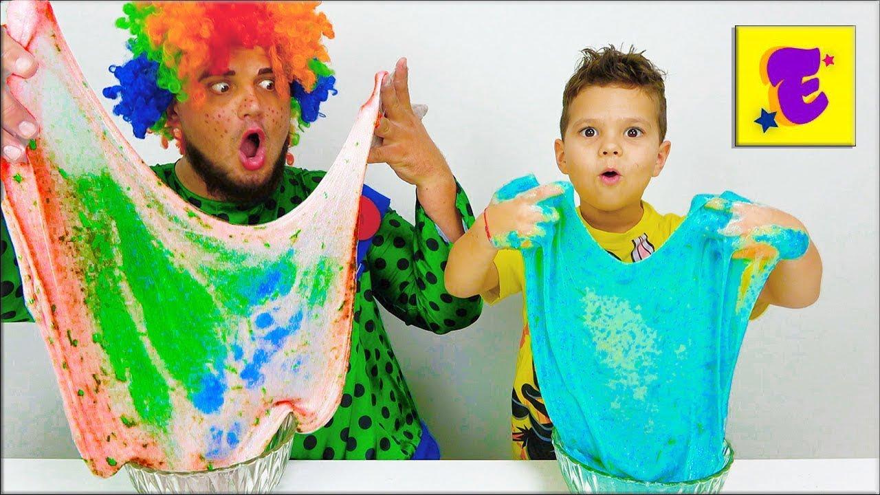 Егорка и Карлос делают Лизун из Яркого блестящего Клея