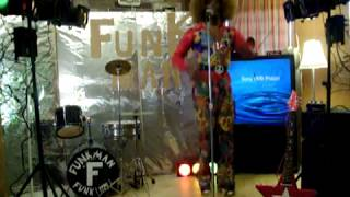 Mama's Pearl! By The Fackson 5! Ft. Fichael Jackson!(FOTOWN Records®!  Live On BoulTrain!)