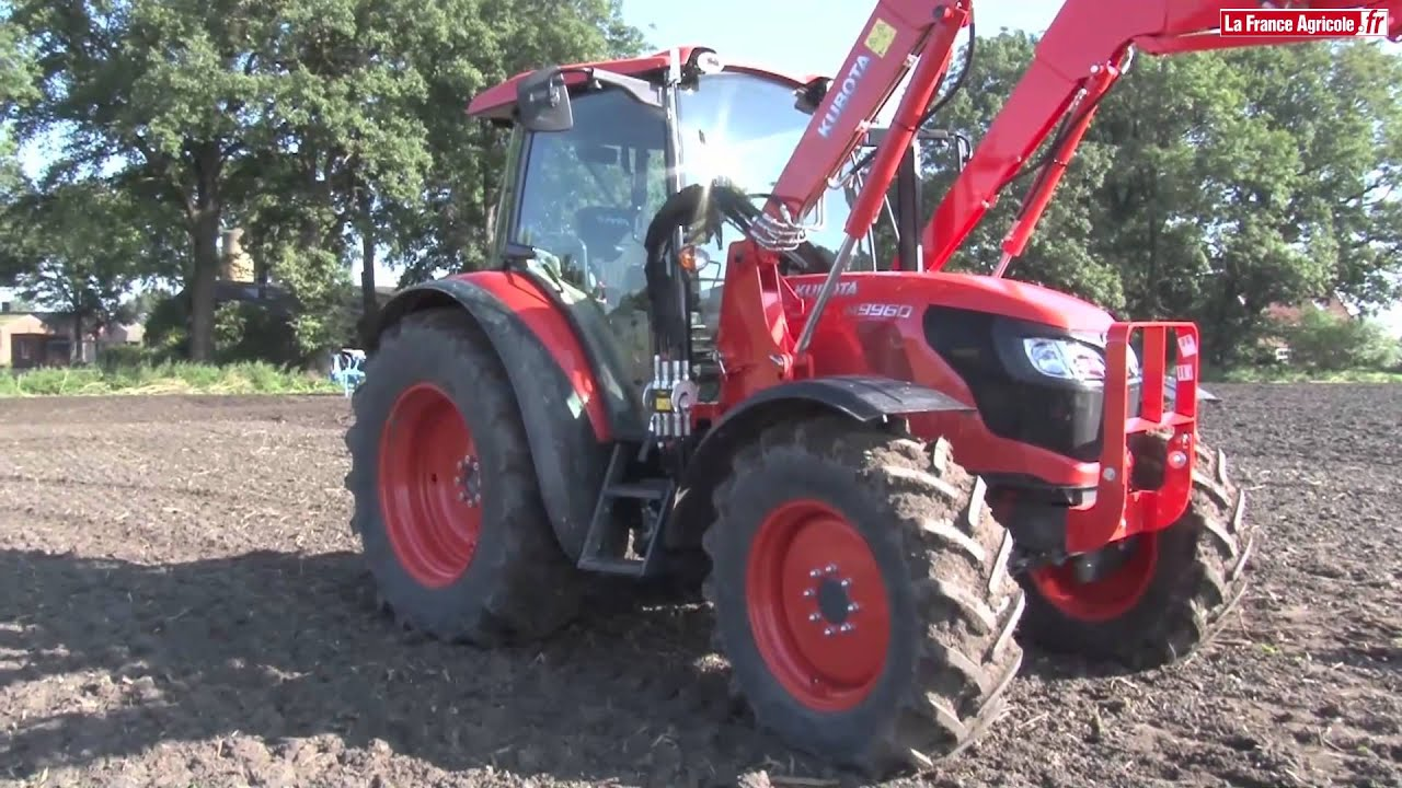 test comparatif 2015 kubota m9960 tracteur avec chargeur youtube. Black Bedroom Furniture Sets. Home Design Ideas