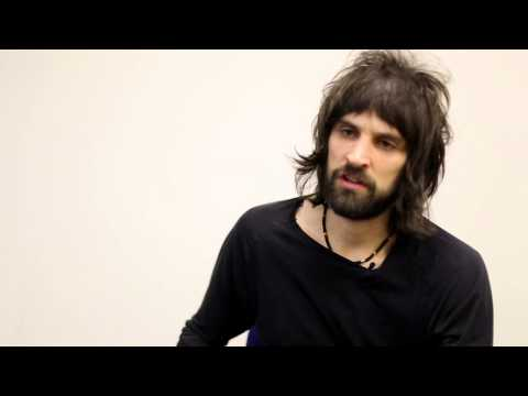 Kasabian's Serge Pays Emotional Tribute To Paul McCartney (NME Awards 2014)