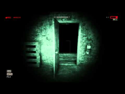 Outlast: Turning on the power. (Basement).