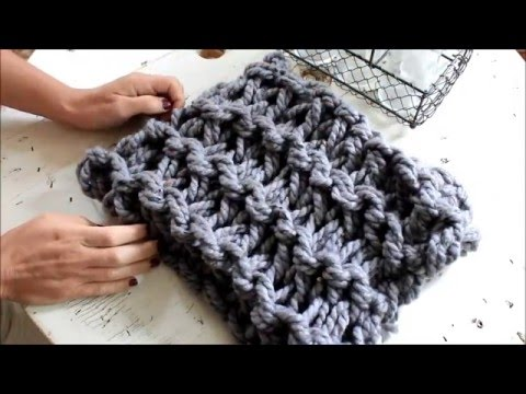 How to Arm Knit a Garter Stitch Scarf in 20 minutes - With Simply Maggie