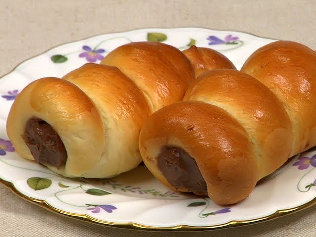 How to Make Chocolate Cornets (Cornet-Shaped Sweet Buns Recipe)   Cooking with Dog