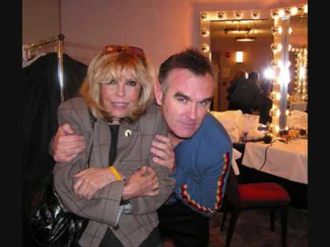 Nancy Sinatra feat, Morrissey. Let Me Kiss You.