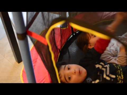 Download Tappeto elastico! Regalo per il 3° compleanno di Alyssa