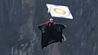 Wingsuit-Wettbewerb: Mit dem Kopf durchs Ziel