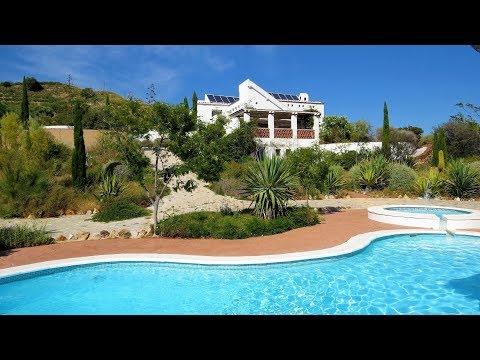Lanjaron. REF0161. Fabulous villa Style Property and swimming pool.