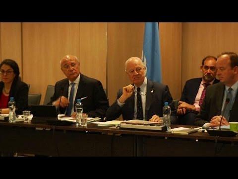 Syrie : pourparlers à Genève, combats à Hama