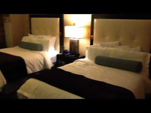 Atlantis Reno : Luxury Tower 4 Star Room Tour
