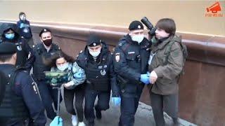 Фото Очередные задержания полицией на акции у ГУВД Москвы