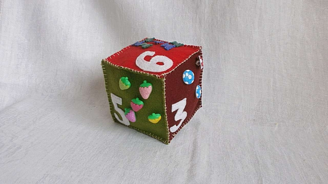 How to sew a developing cube for a baby 16