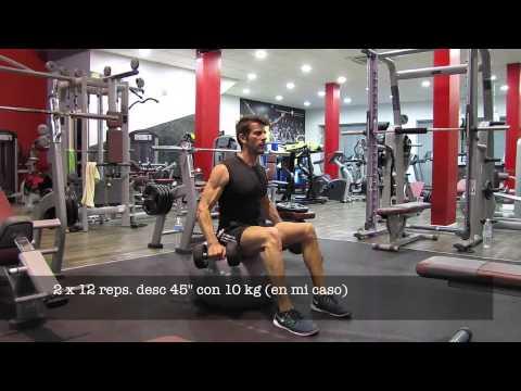 entreno fitness hombro deltoides