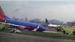 Southwest Airlines nose gear failure on landing at LaGuardia Airport