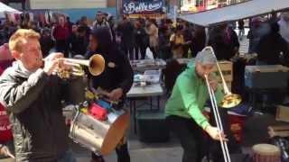 New York amazing street musicians band !