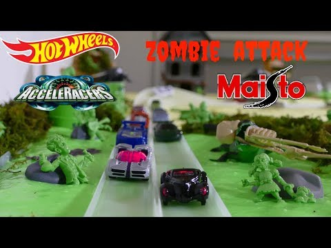 Hot Wheels Zombie Attack double curve Acceleracers and Light up cars vs Maisto tournament race