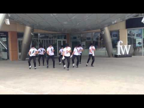 Видео: Флешмоб в честь 55 го Дня рождения Майкла Джексона Тюмень - Лучший танцевальный флешмоб ФМ2013