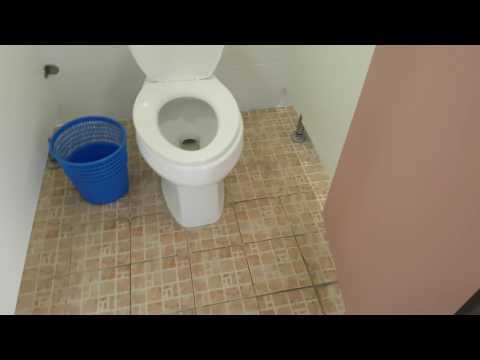 우리학교 화장실..실화입니다.. 조작 안했어요..