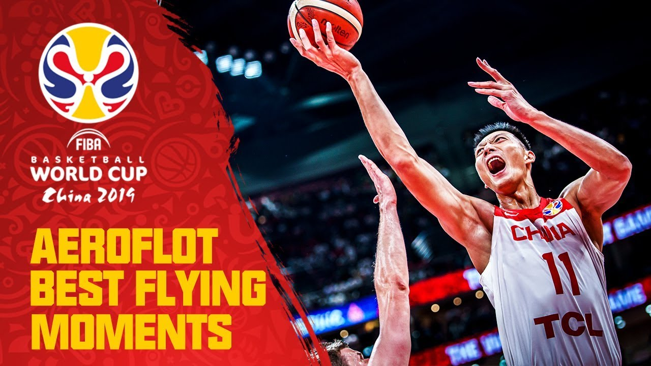 Yi with the two-handed jam! | Aeroflot Best Flying Moments