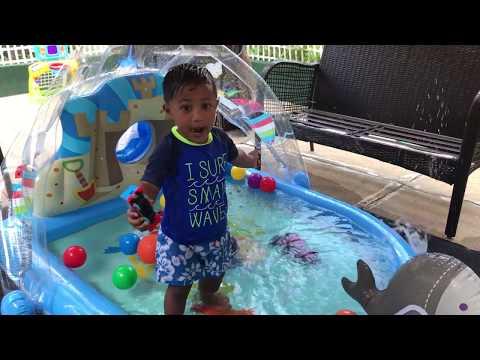 Aaron Plays With THOMAS The TANK ENGINE In Kiddie Pool | Summer Fun