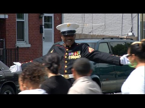 Marine Vet Acts As Crossing Guard For Elementary Students