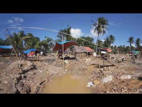 "Illegal gold mines in the Philippines' ""Goldtown"" in 360."