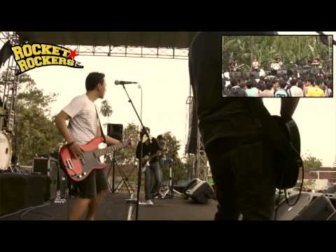 Rocket Rockers - Hitam Putih Dunia Live at SMAN 2 Wonosobo Mp3