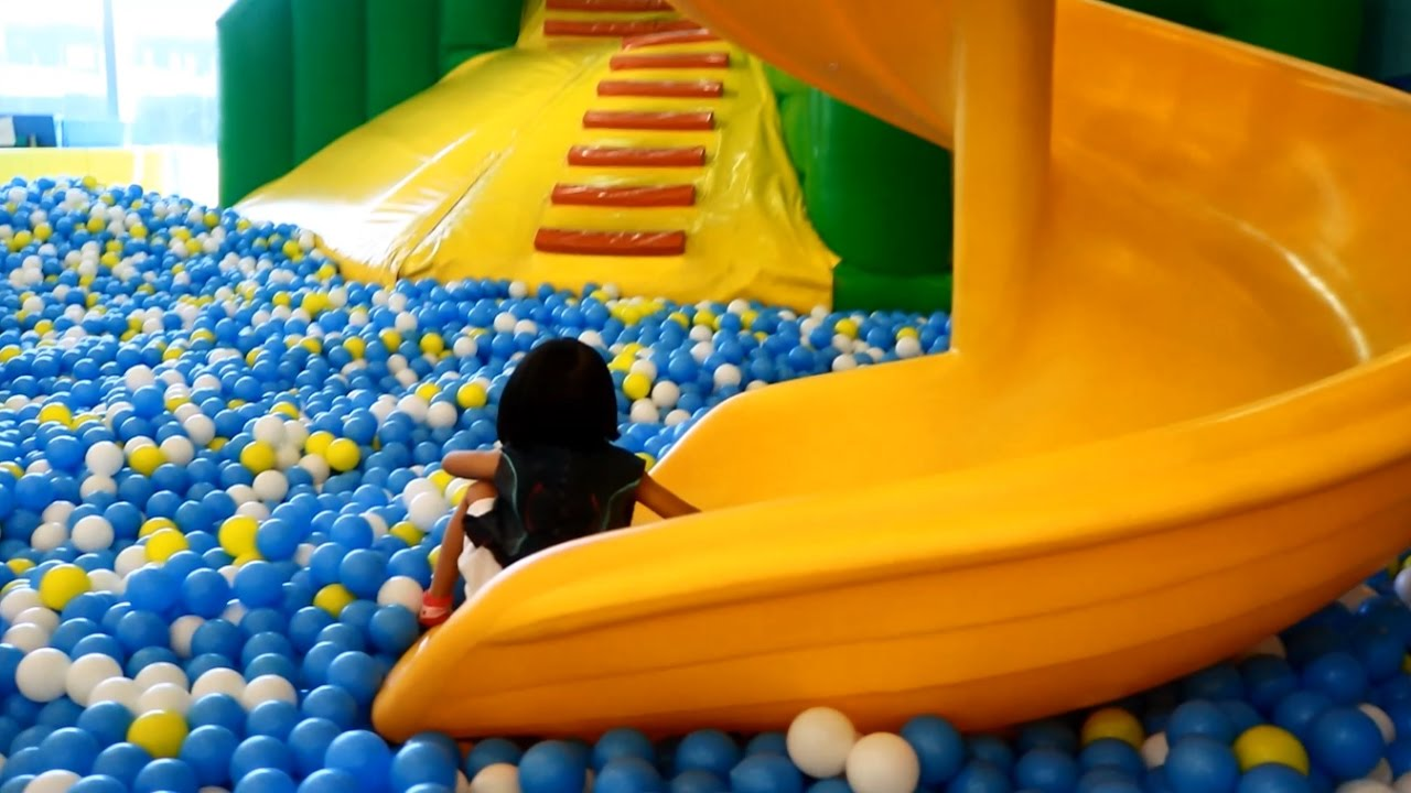 indoor playground family fun play area ball pit   donna  explorer youtube