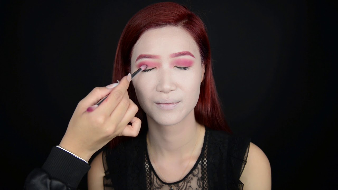 Klara Cosmetics Vidmoon Liquid Eyeliner 1 Black Kchalloween Classic Vampire Look