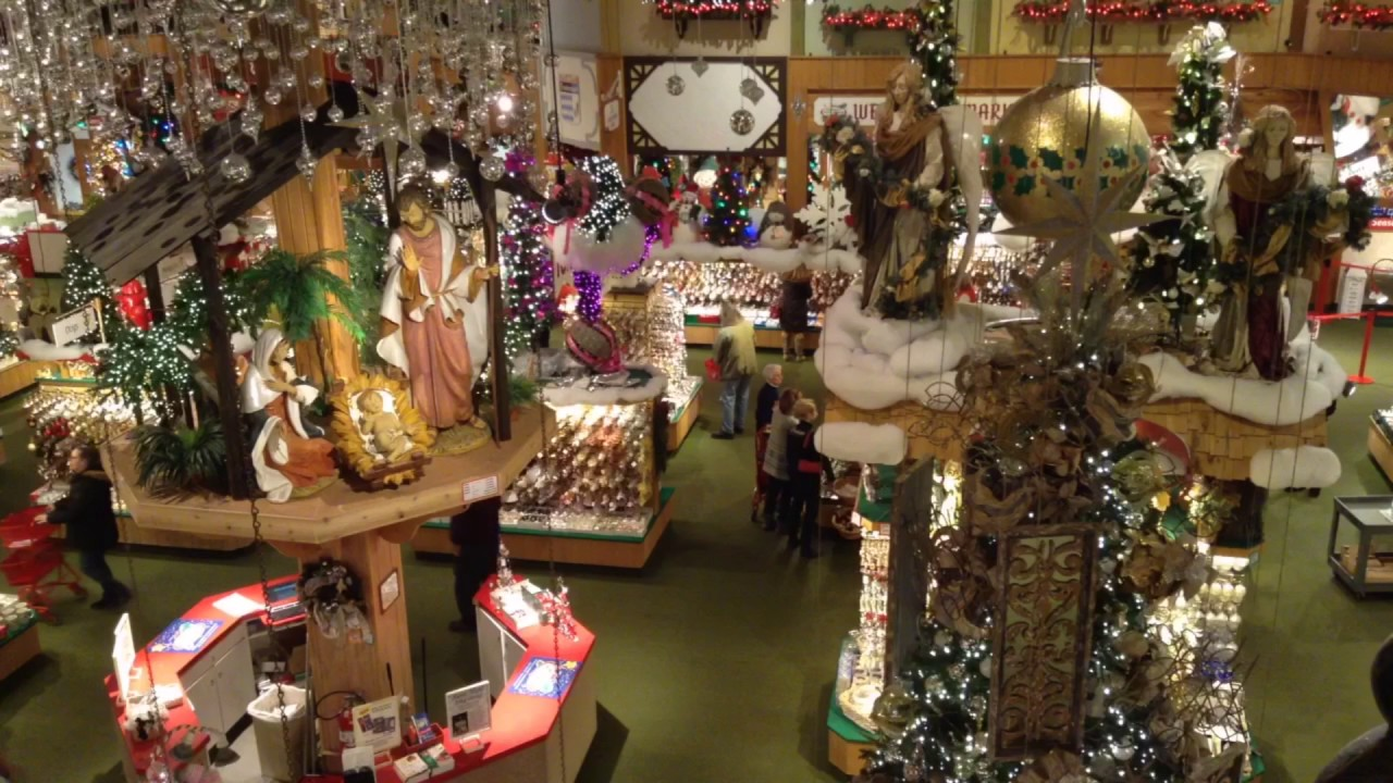 bronners christmas wonderland in frankenmuth michigan timelapse