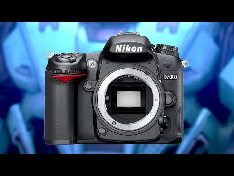 Is the Nikon D7000 STILL Worth Considering? (or is it TOO OL