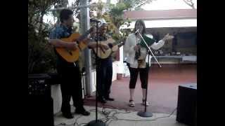 Gierel cantando Una Décima, para los 79 de mi Abuelito, típica de Campo Puertorriqueño c