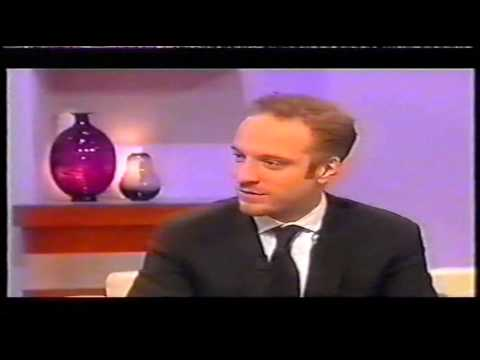 Richard Madeley challenges Derren Brown to read his mind during an interview (2004)