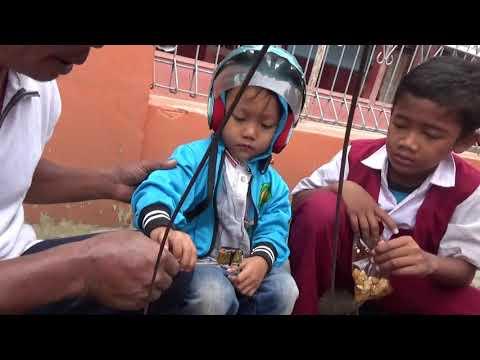 Indonesia Brebes Street Food : Mas Yuda Beli Gulali Depan Sekolah@Rp.1000,-//209//Seri I