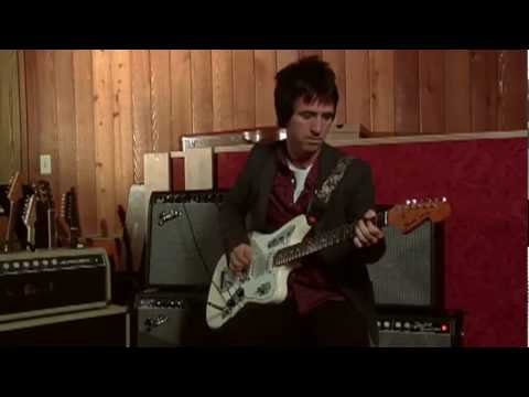 Johnny Marr plays riffs from The Smiths, The The, The Kinks