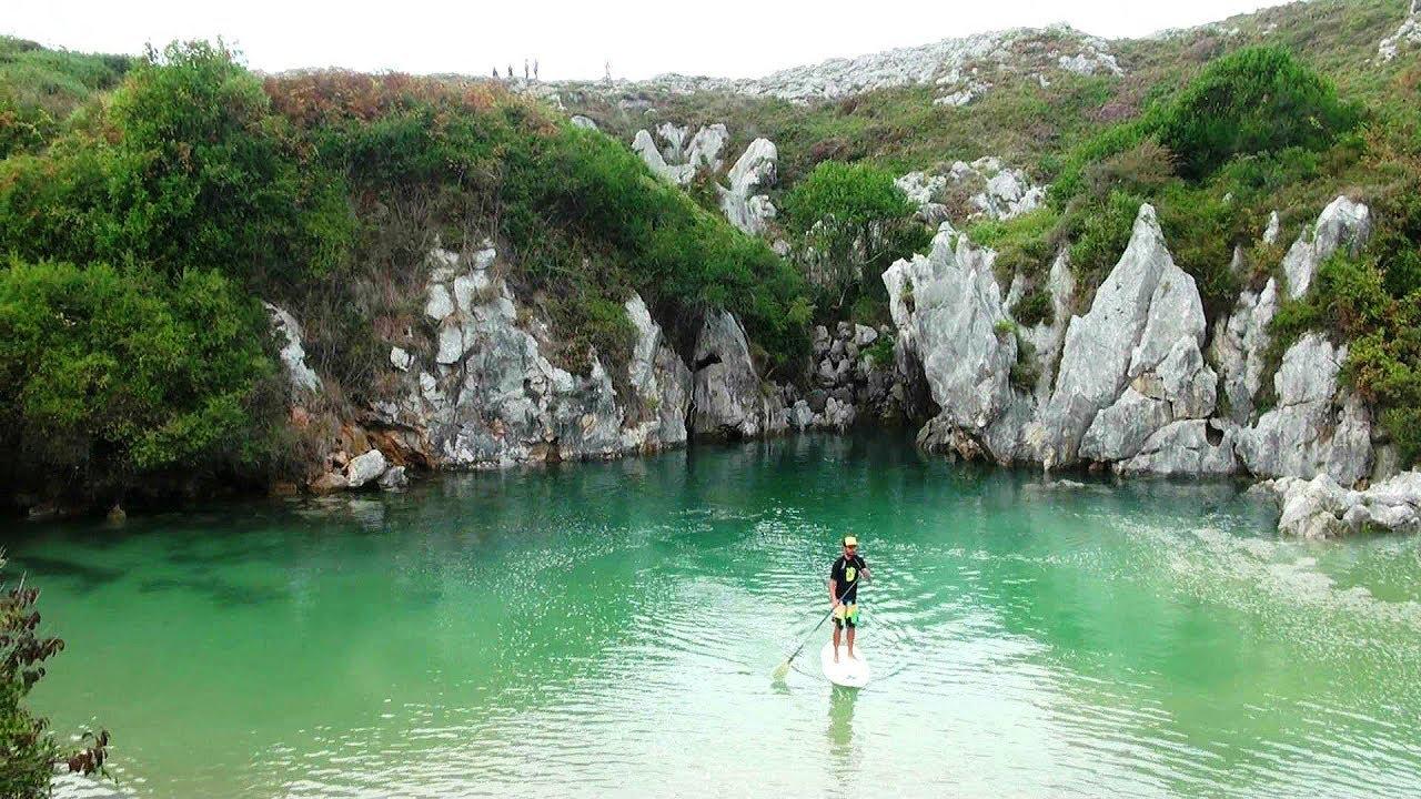 La playa m s peque a del mundo gulpiyuri una de las 5 for Piscinas naturales grazalema