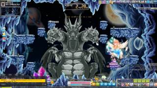 Lv.207 Blade Master soloing Chaos Horntail (5th job) 6 secs. (Korea MapleStory)