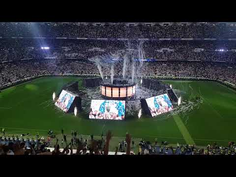 Real Madrid fans celebrate Champions League win at Santiago Bernabéu