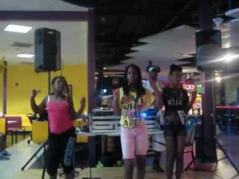 DJ C-Nice MOBILE DJ @ LAUGH OUT LOUD STATIONS IN GREENBELT, MARYLAND