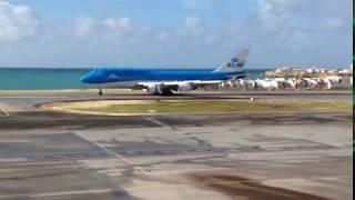 Eerste 747 KLM geland op Sint Maarten sinds orkaan Irma