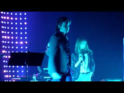 "Benjamin Biolay & Vanessa Paradis ""Profite"" @ Casino de Paris"