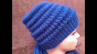 Вязаная шапка узором Волна
