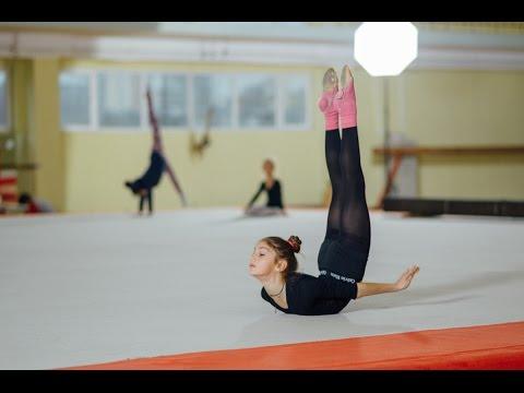Голые гимнастки, фото голых гимнасток, юные гимнастки