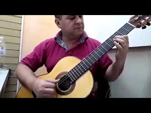 Professor Antonio Oira Tocando o Violão do Luthier Marciano